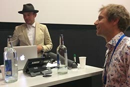 Tom Roope (li), Google UK und OnCreate- Projektleiter Björn Stockleben
